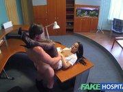 Порно в больнице колготках