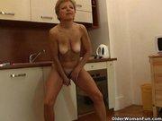 Порно видео зрелых мамочек домработниц