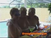 Порно бесплатно бабульки свингеры