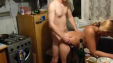 Порно русских на кухне