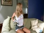 Порно видео мастурбация блондинки